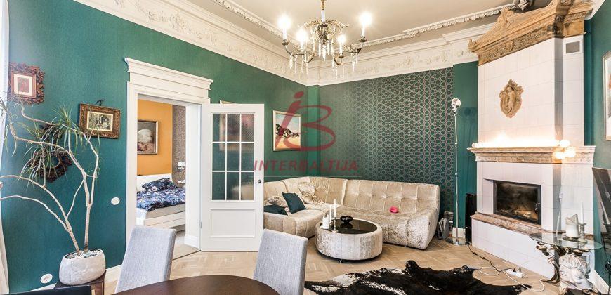 Pārdod dzīvokli centrā 120m2