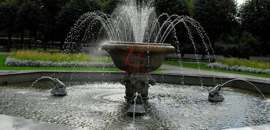 Ziedoņdārza Rezidence, Centrs