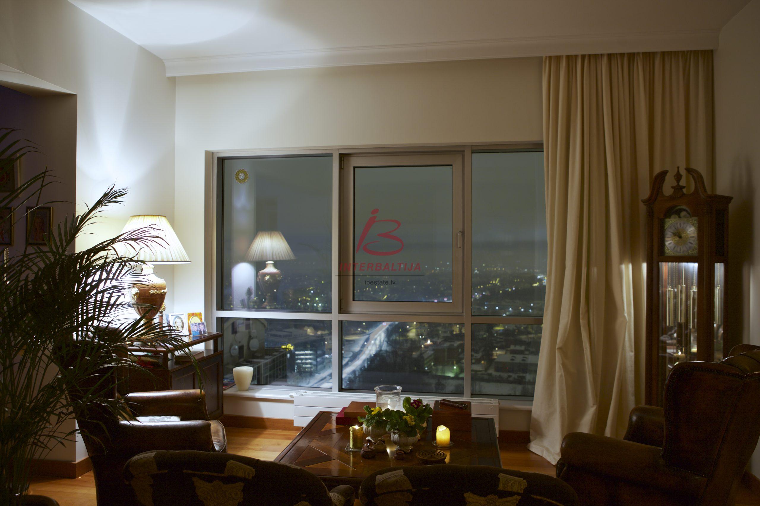 30. Stāva penthouse dzīvoklis, Rīga