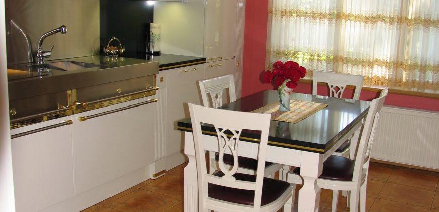 Pārdod māju Jūrmalā – Dzintaros
