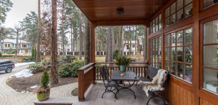 Pārdod Māju Mežaparkā